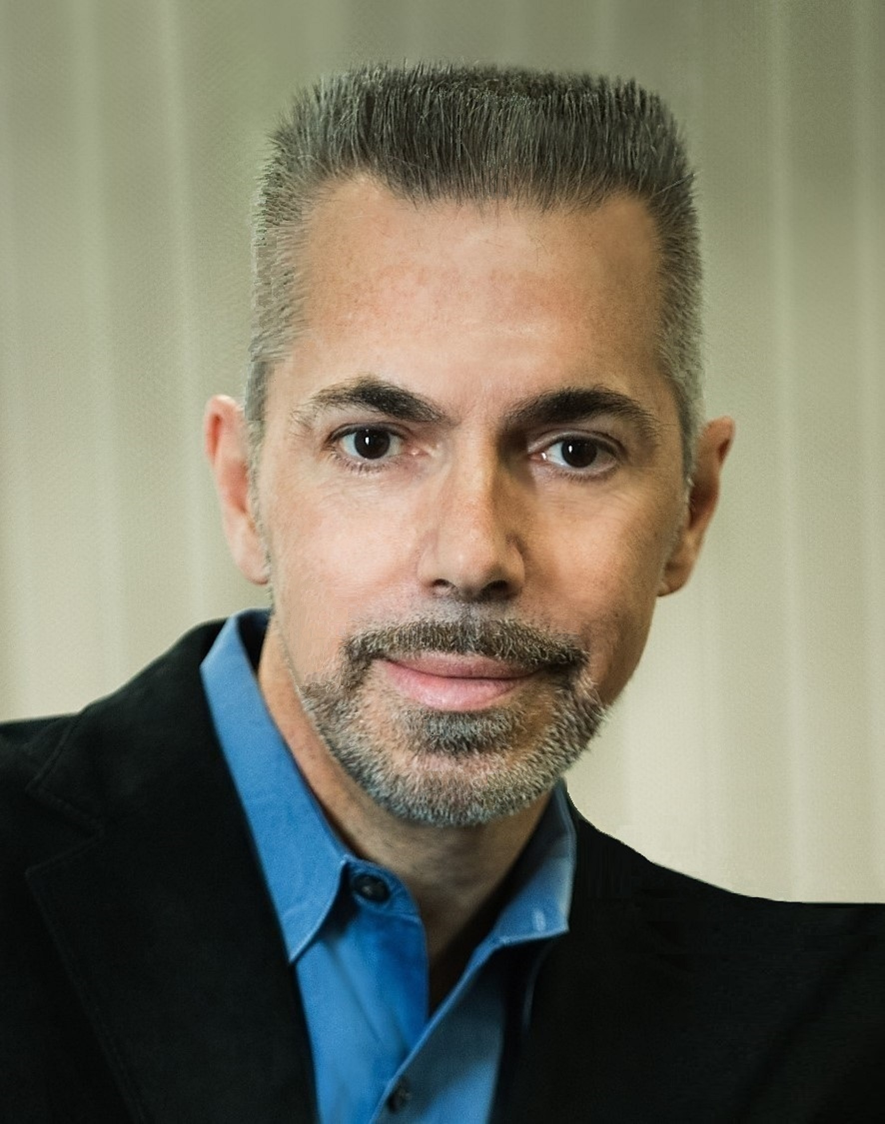 Headshot photo of Dr. Robert Lanza